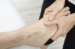 Points de pression massage pieds techniques réflexologie